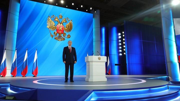 Путин радикально изменит Конституцию: На Западе оценили отставку правительства России