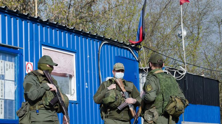 Украинцы устроили провокацию на Донбассе шарами с фашистской символикой