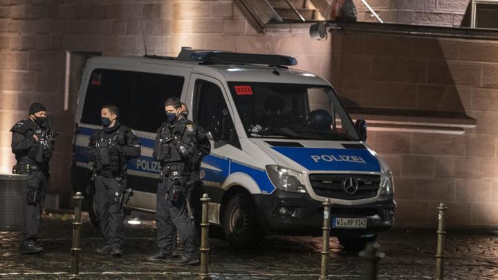 Двоих поймали, третьего ищут: Подробности полицейской операции во Франкфурте попали на видео