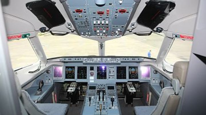 SSJ-100 подвёл кондиционер: Летевший из Ставрополя в Москву самолёт подал сигнал тревоги