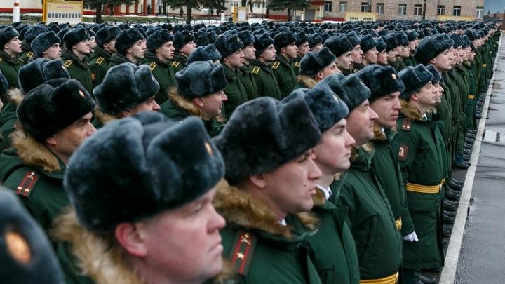 Российским военным с 1 января 2018 года повысят зарплату