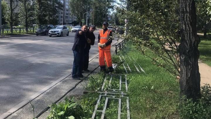 Мэрия Екатеринбурга перечислила улицы, где снесут заборы в первую очередь