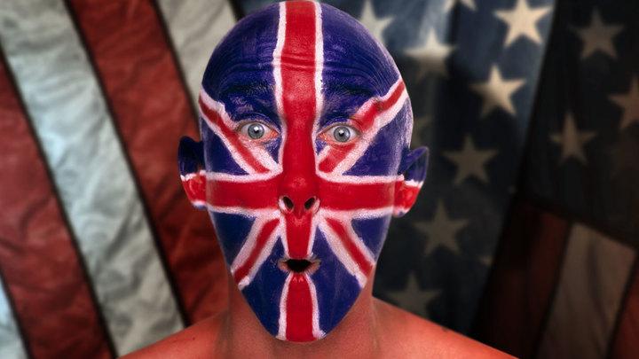 Британия с США хотят поставить Россию на колени без войны