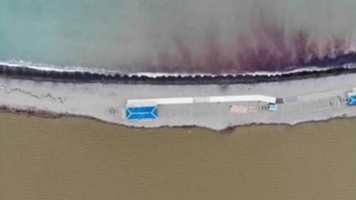 Стало известно, почему море у Новороссийска стало красным