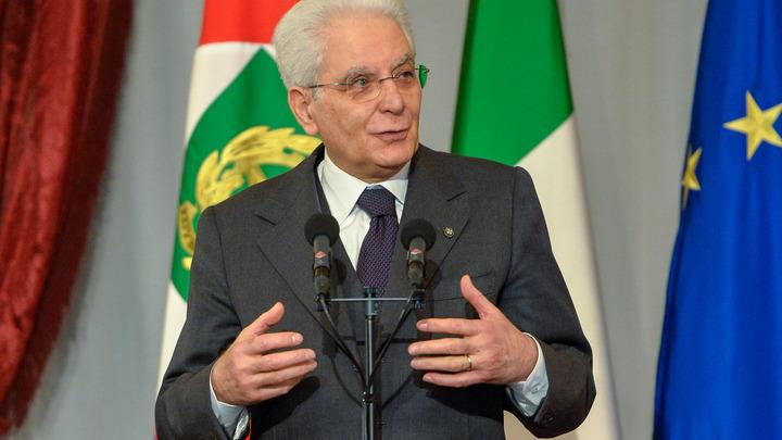 Правительство в Италии поручили сформировать компромиссной фигуре