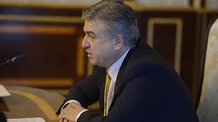 И.о. премьер-министра Армении просит провести внеочередные выборы в парламент