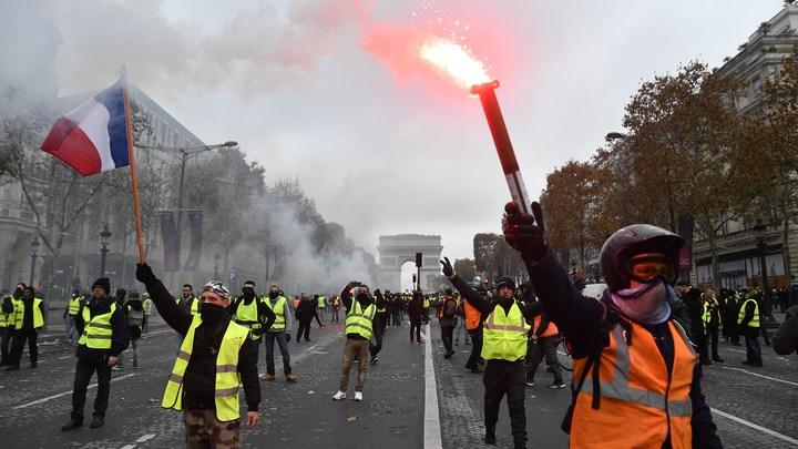 «Оказывается, можно было»: Соловьев «предугадал» мысли Януковича про «топливный бунт» в Париже