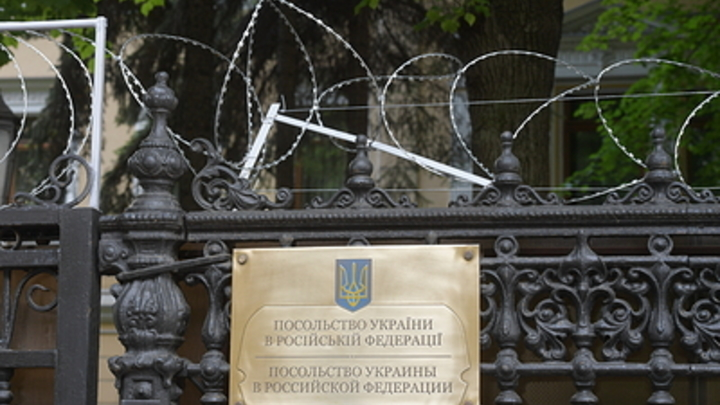 И трусы. Возмещать так возмещать: Москвичи передали Украине поддержку боевой мощи