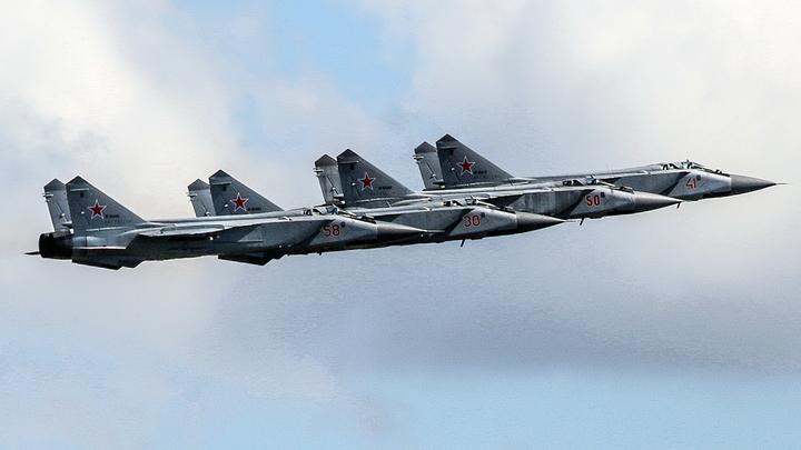 Прятался 9 лет: Пойман чиновник, продавший российские истребители по 153 рубля за штуку