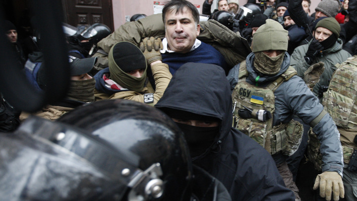 Украинские блогеры высмеяли арест Саакашвили в грузинском ресторане