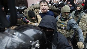 Денис Денисов: Киев не сможет заткнуть рот Саакашвили депортацией
