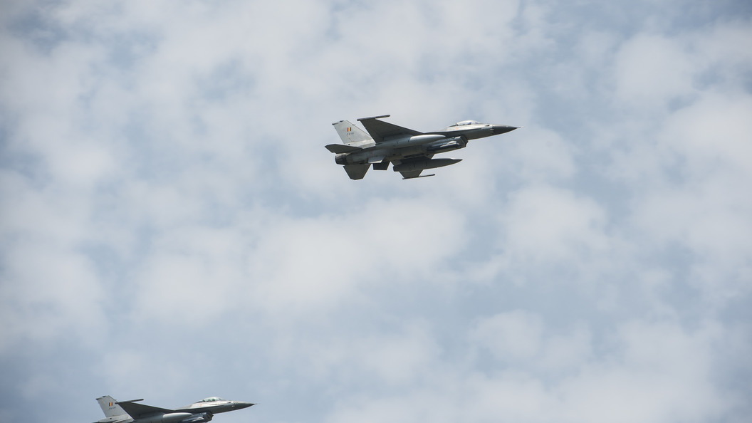 В Минобороны рассказали об осторожных маневрах истребителя НАТО