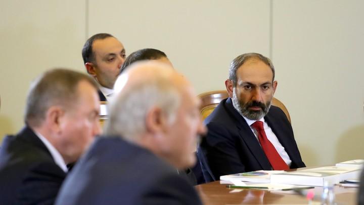 Армения в военном положении: Пашинян объявил о всеобщей мобилизации