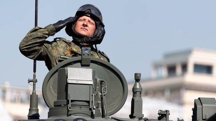 Военнослужащих Новосибирской области вакцинировали от коронавируса перед парадом 9 мая