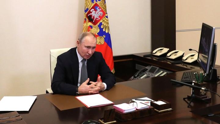 Михаил Хазин уверен: Путин готовит ход конём, и это будет сюрприз для либералов