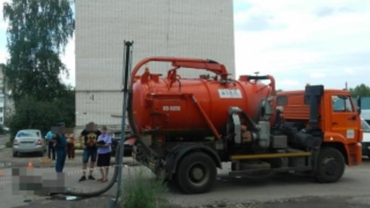 Умер второй мужчина, которого достали из канализации в Гидроторфе: возбуждено уголовно дело