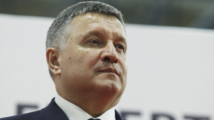 Кое-кто позволял себе лишнее: Глава МВД Украины заявил о сдавших нервах Суркова