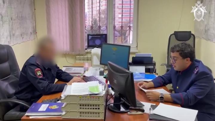 В Краснодаре инспектор ГИБДД больше года вымогал взятки у коллеги