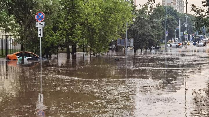 В Ростовской области продлили штормовое предупреждение из-за ливней