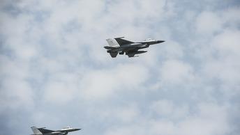Истребители НАТО ежедневно тренируются в небе Прибалтики