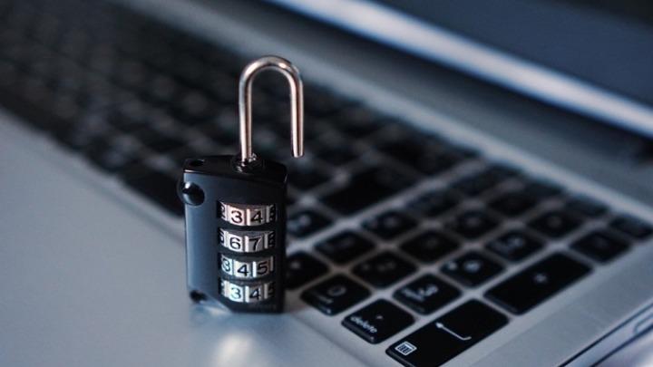 В штате Иллинойс требуют без расследования наказать Россию за хакеров