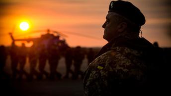 Повесившиеся со сломанными ребрами, застрелившиеся восемь раз - небоевые потери ВСУ списывают на самоубийства