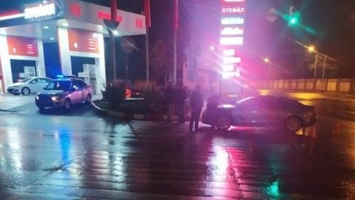 В центре Ростова-на-Дону иномарка сбила 16-летнего подростка