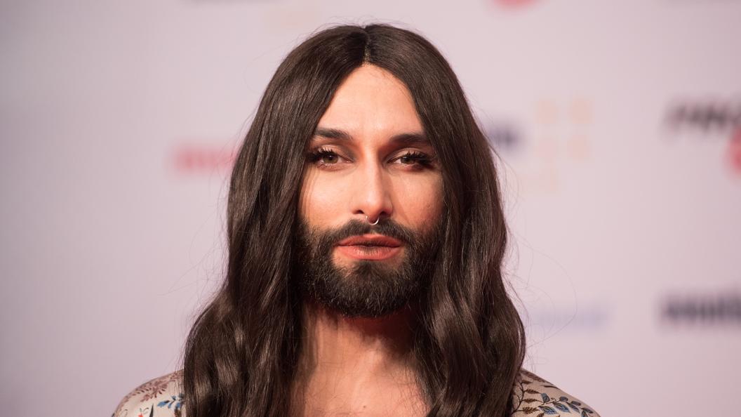 Логичный конец бородатой женщины: Кончита Вурст сообщила о своем ВИЧ-статусе