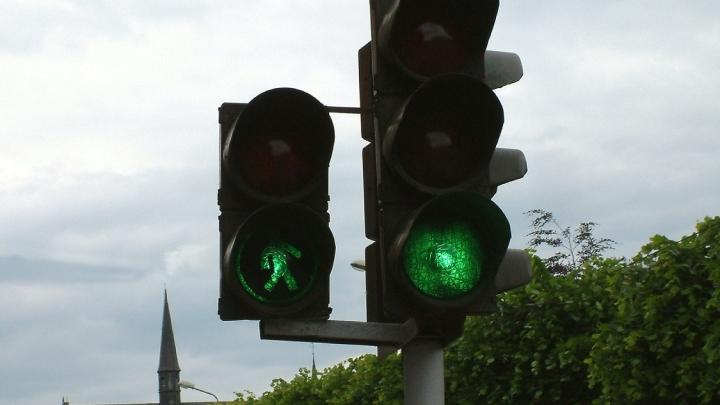 В Кемерове на пересечении двух дорог изменился режим работы светофора