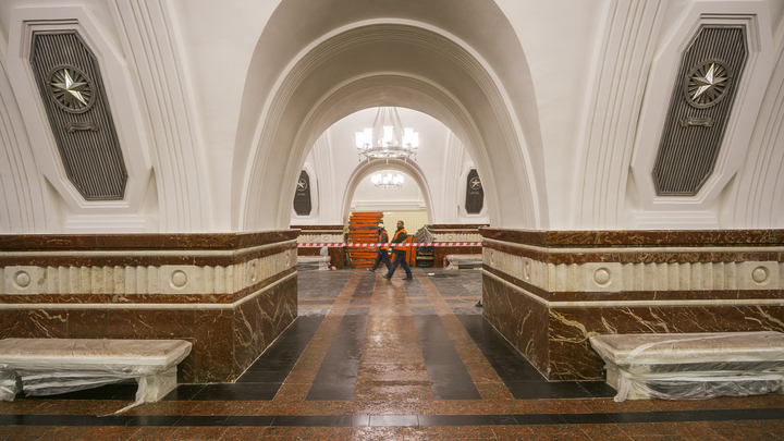 В метро Москвы заявили, что не будут избавляться от пассажиров в час пик