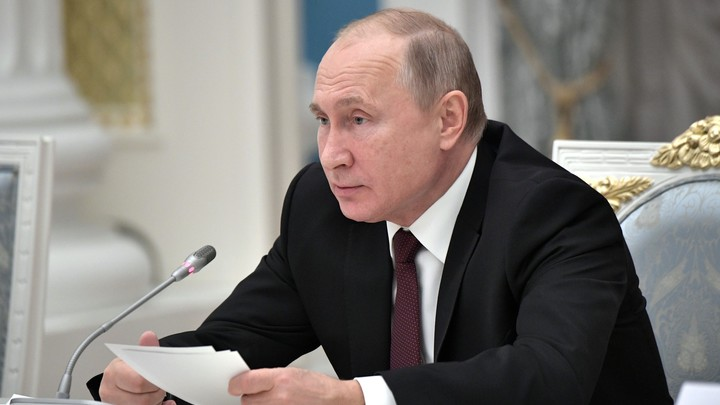 Не президент: В Ярославле Путин рассказал школьникам, какую карьеру он бы выбрал сегодня