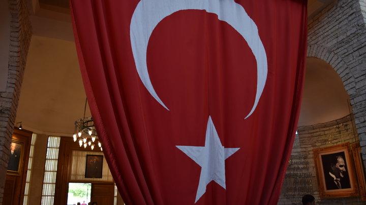 Началось: Турция ввела военное положение. Израиль атаковал Сирию