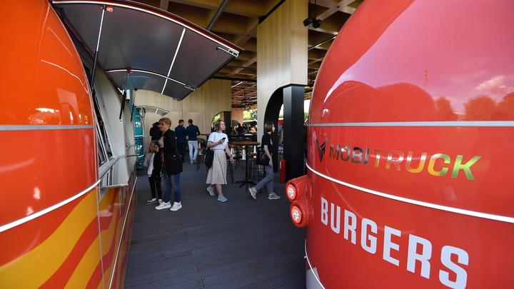 Петербургские рестораторы идут в Смольный из-за отсутствия обещанных COVID-компенсаций
