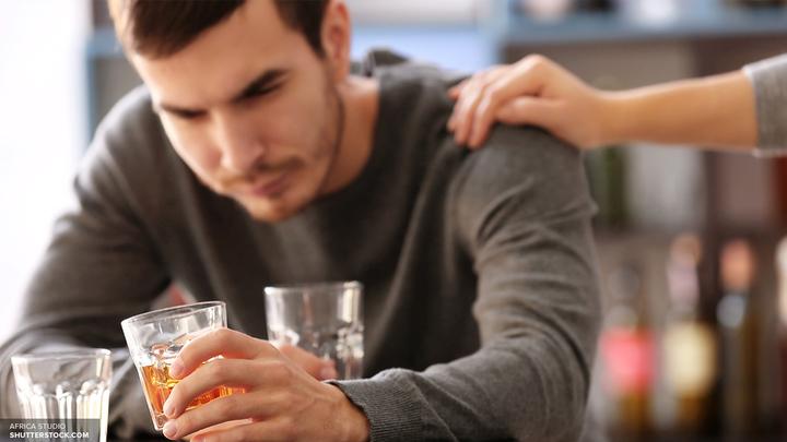 Ученые объяснили, чем опасно употребление коктейлей с алкоголем и энергетиками