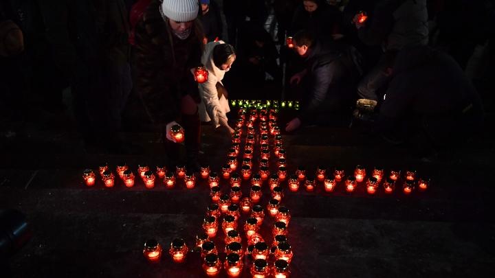 «Эх, какие были ребята!»: В Севастополе зажгли свечи в память о погибших в Сирии летчиках