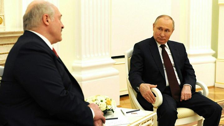 Стали известны темы переговоров Путина и Лукашенко
