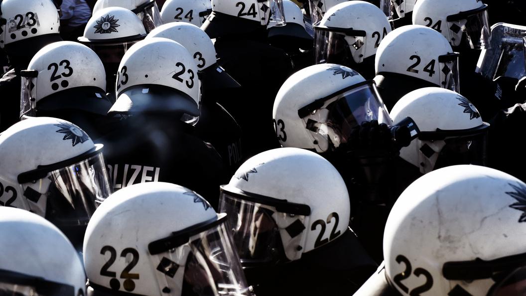 В преддверии саммита G20 в Гамбурге напали на полицейский участок
