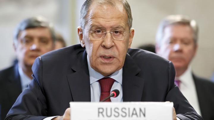 «У Запада нет альтернативы»: Лавров рассказал, что скрепляет союз России, Индии и Китая