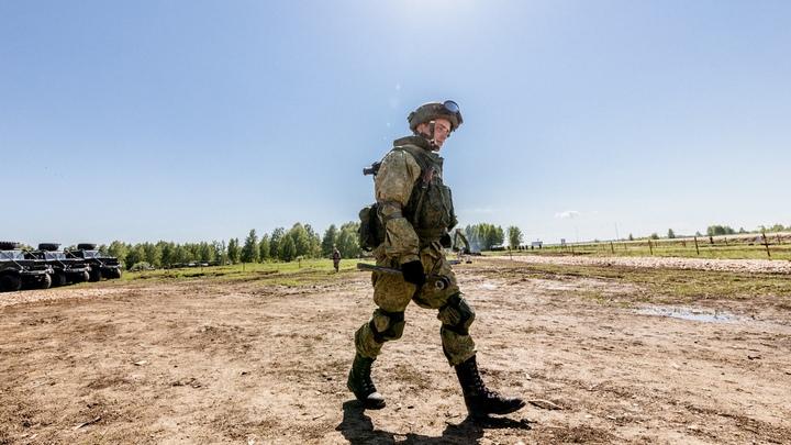 Стали крепостными: в Челябинской области офицер заставлял солдат строить ему дачу
