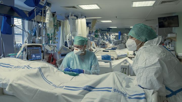 Ни на что не похожи: В России появились две новые мутации коронавируса