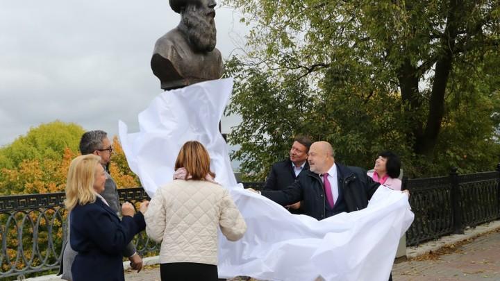 Памятник Далю открылся в Нижнем Новгороде