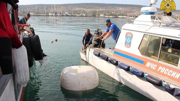 На взорвавшемся танкере «Генерал Ази Асланов» нашли останки пропавших моряков
