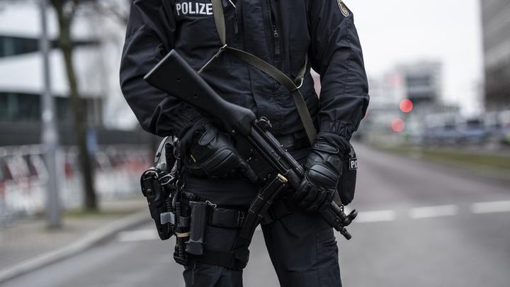 Полицейские на мотоциклах, лошадях и лодках: Ливийская конференция превратила будни жителей Берлина в боевик