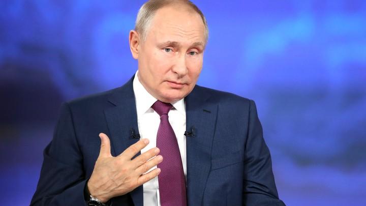 Путин раскрыл название вакцины, которой привился в феврале