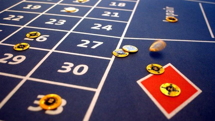 Пока народ нищает, игорный бизнес процветает: Зарплаты в казино и лотереях выросли на 200%