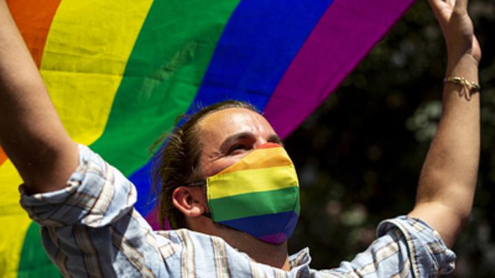 В Россию бросили пробный камень ЛГБТ-революции