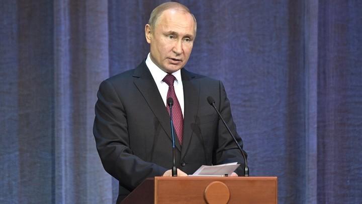От американской разведки потребовали обнародовать компромат на Путина