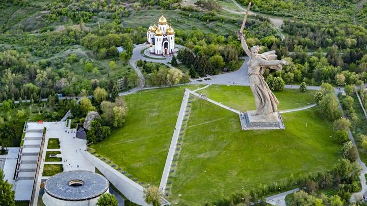 Глава волгоградского РВИО опроверг слухи о вырубке Парка вдов