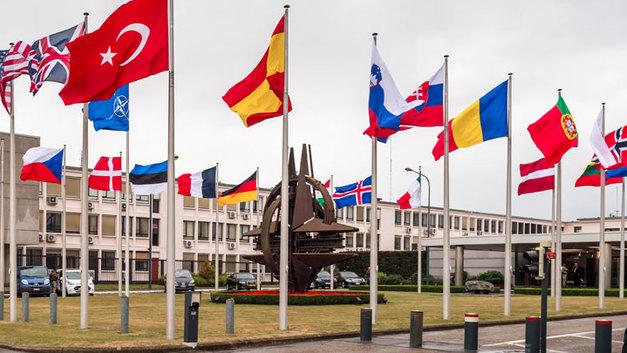 Черногория и Македония: Новые члены НАТО станут «группой поддержки» России