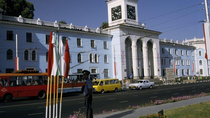 Ударил кулаком и ногой: Делегаты Таджикистана передрались на совещании ОБСЕ